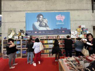 Vue large de l'espace librairie du Festival New Romance 2021